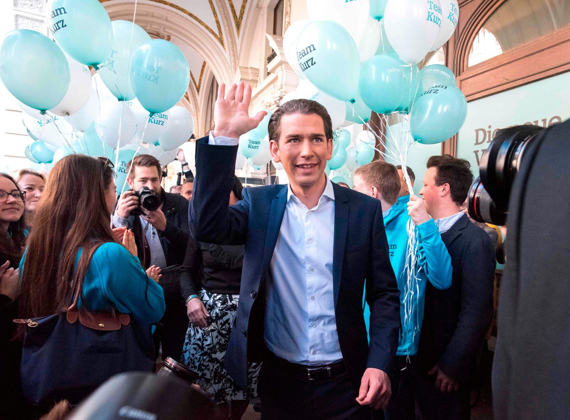 POPULISTISKE KNEP: Sebastian Kurz spiller på de samme strengene som ytre-Høyres Frihetspartiet vinner stemmer på, men innenfor rammene av et etablert og akseptert parti, mener forskere VG har snakket med. FOTO: AFP