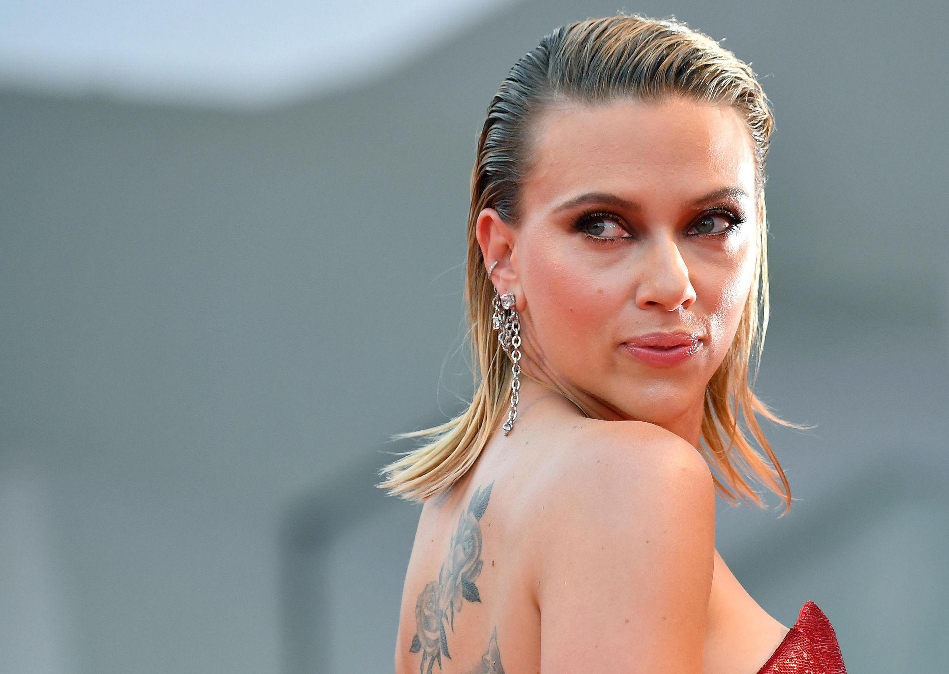 PREMIEREKLAR: Scarlett Johansson på premieren på «Marriage Story» på filmfestivalen i Venezia torsdag kveld.