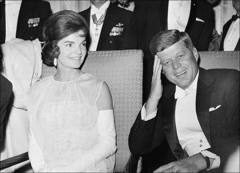 2cf38732dc43 Marilyn Monroe skal personlig ha ringt Jackie Kennedy i Det hvite hus og  fortalte om det intime forholdet hun hadde til…