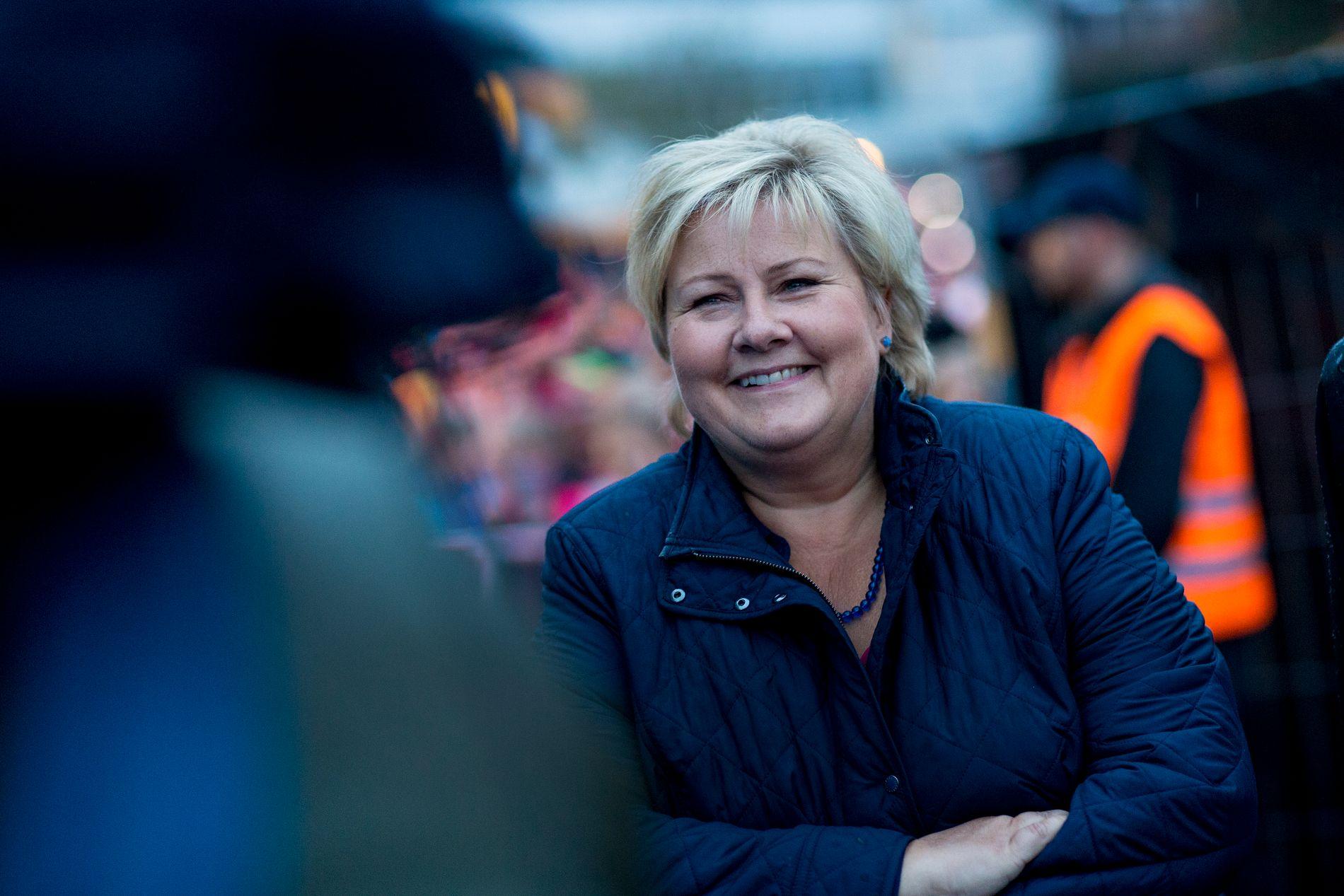 LAT-DEBATT: Statsminister Erna Solberg (H) anklager Ap-leder Jonas Gahr Støre og Ap for latskap.
