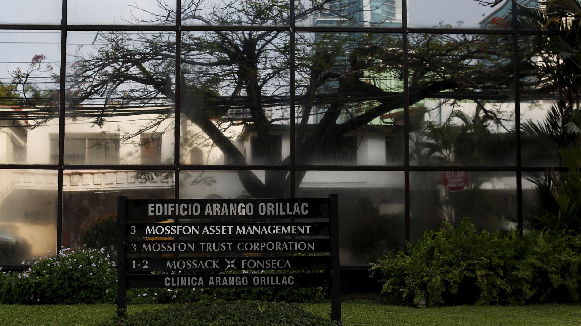 LEKKET VIKTIGE DOKUMENTER: Det Panama-baserte advokatfirmaet Mossack Fonseca har lekket dokumenter som viser at en rekke statsledere og politikere verden over skjuler milliarder i skatteparadiser.