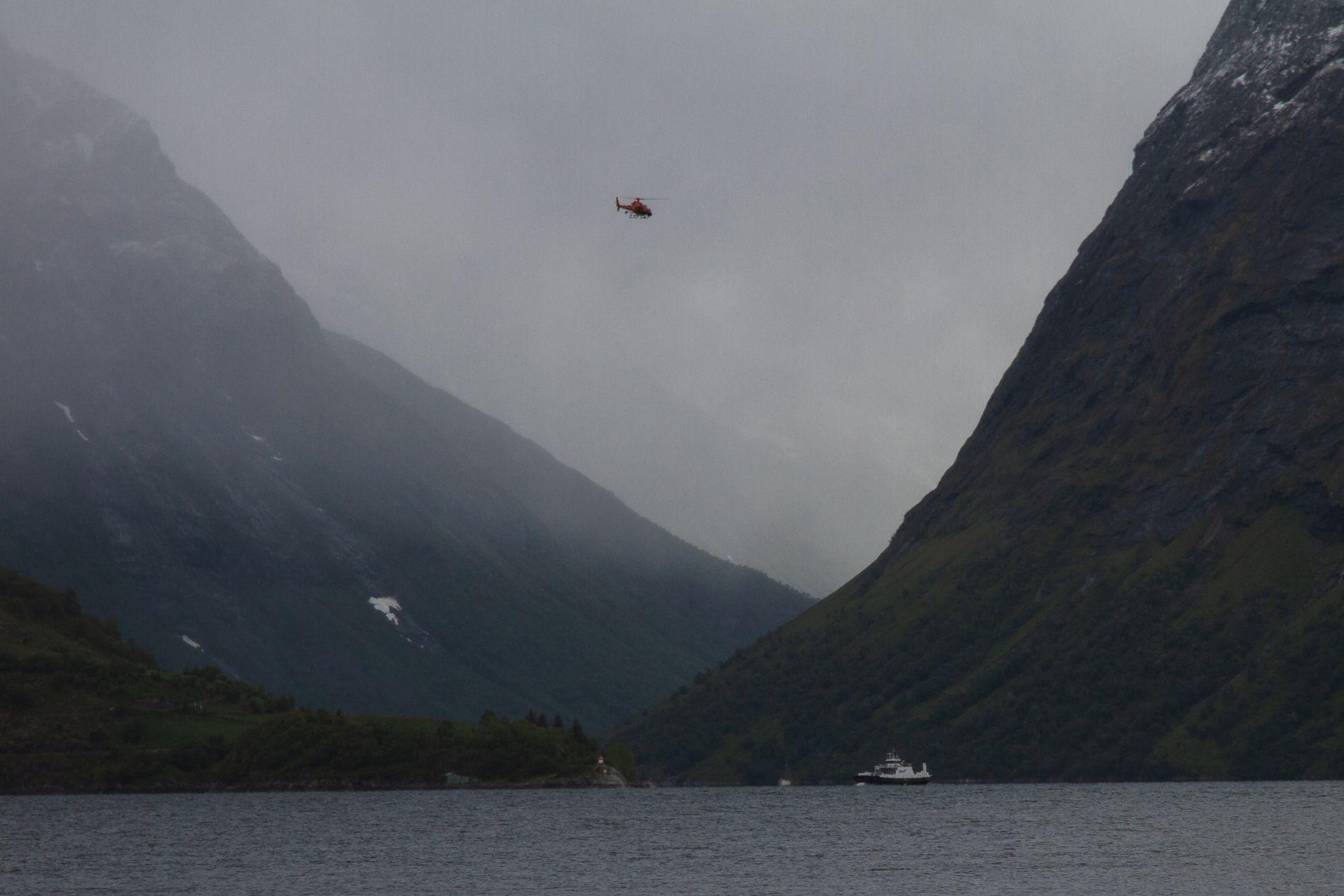 SCARLETT PÅ FERGEN: Filming av en scene fra luften, Scarlett Johansson er her på fergen «MS Goma» fra Kristiansund.