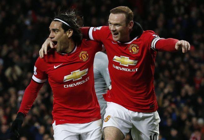 - DEDIKERT LAGSPILLER: Roar Stokke mener Wayne Rooney mangler råskapen han hadde som tenåring, men at han har skaffet seg andre egenskaper. Her jubler han sammen med Radamel Falcao etter 1-0-scoringen.