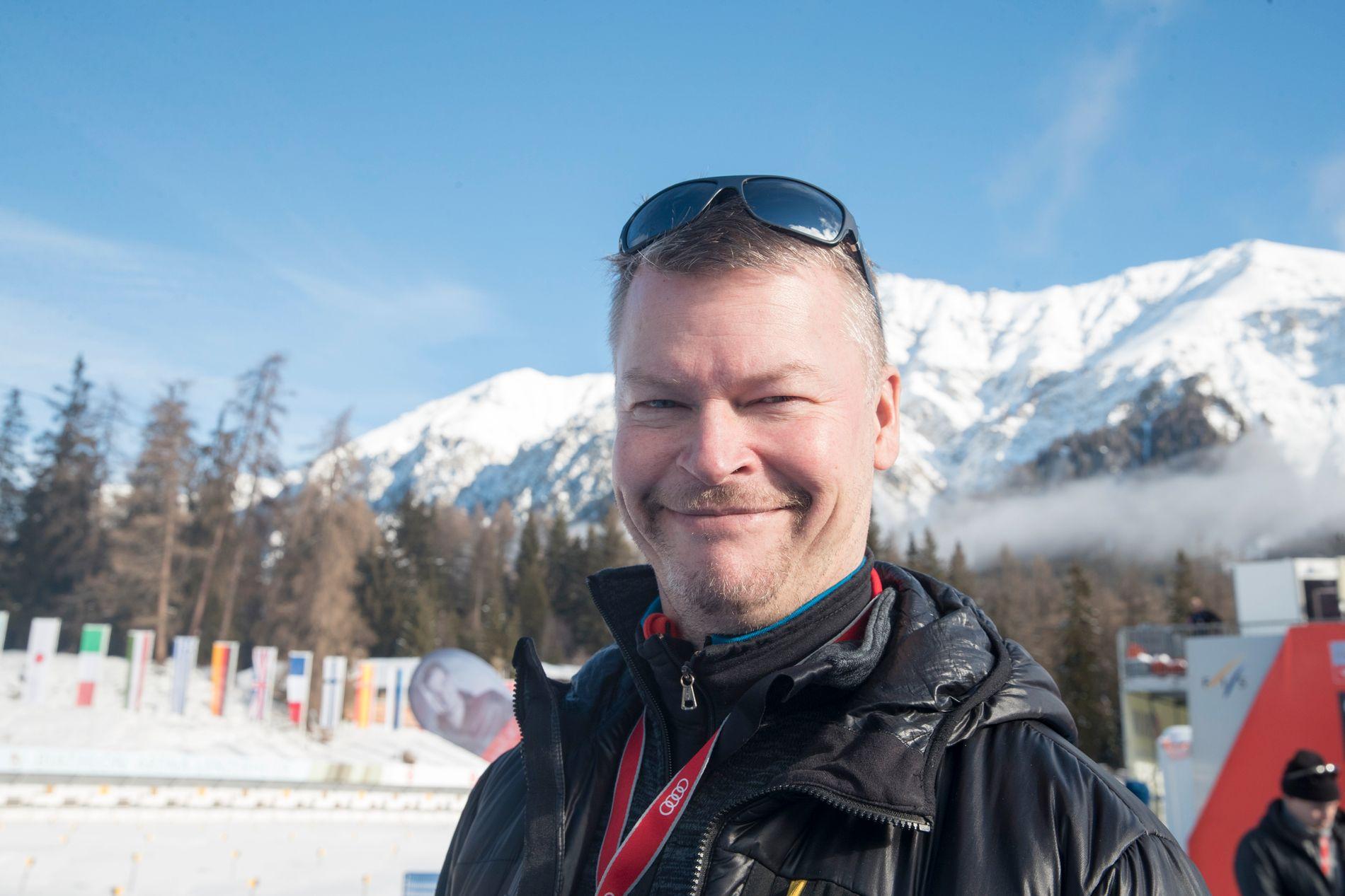 SVENSK JOURNALIST: Tomas Pettersson i Expressen. Nå er han i Ruka for å skrive om verdenscupåpningen. Her fra forrige Tour de Ski.
