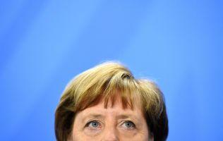 STIKKER HODET FREM: Tysklands forbundskansler Angela Merkel har i samråd meddet tyske migrasjons- og flyktningdirektoratet bestemt å skrine Dublin-avtalen – enn så lenge.