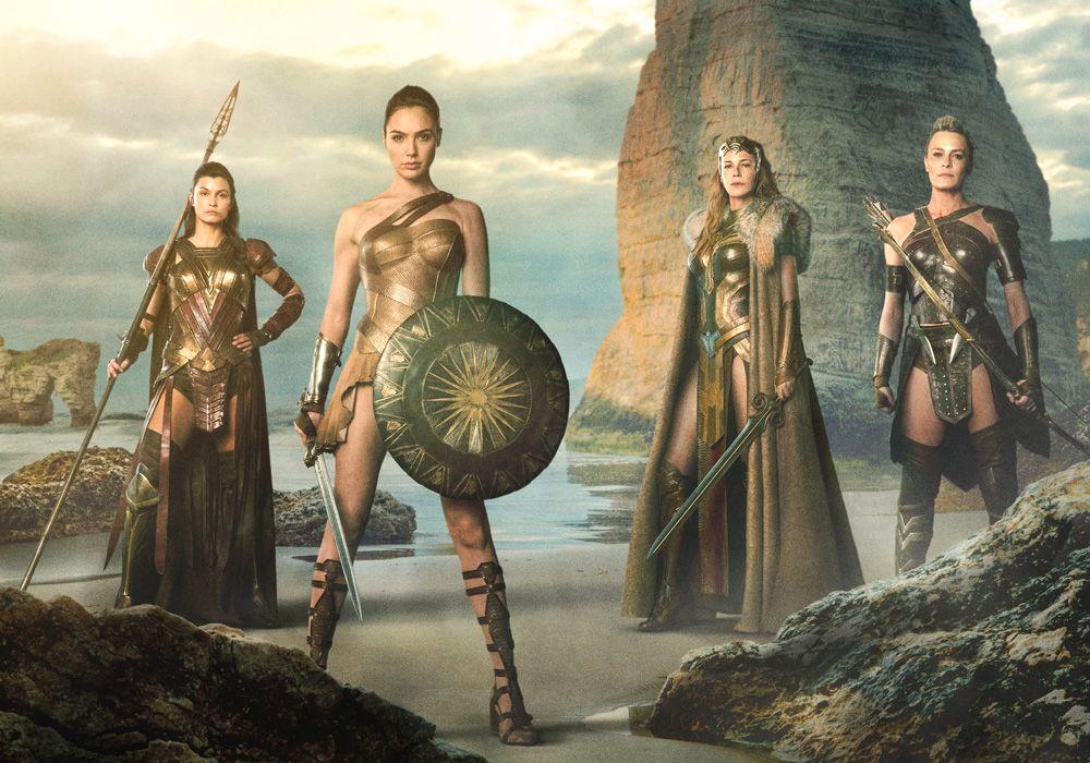 AMAZONER: Fra venstre: Lisa Loven Kongsli som Menalippe, Gal Godot som prinsesse Diana, Connie Nielsen som dronning Hippolyta og Robin Wright som Antiope.