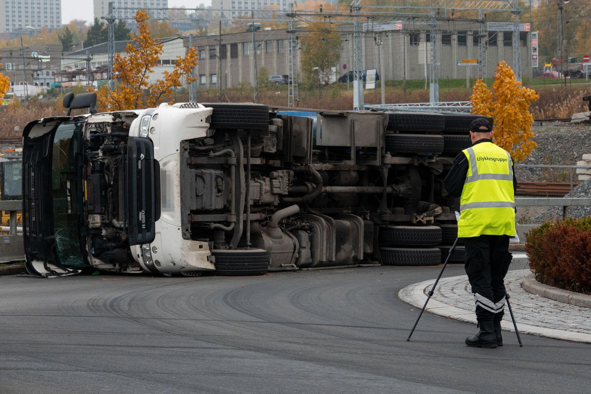 VELTET:  Politiet og ulykkesgruppa til Statens vegvesen var på plass i Nedre Kalbakkvei