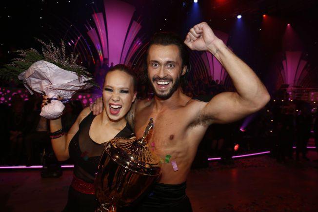 KAN JUBLE: Egor Filipenko har tidligere vunnet dansekonkurransen med Agnete Kristin Johnsen.