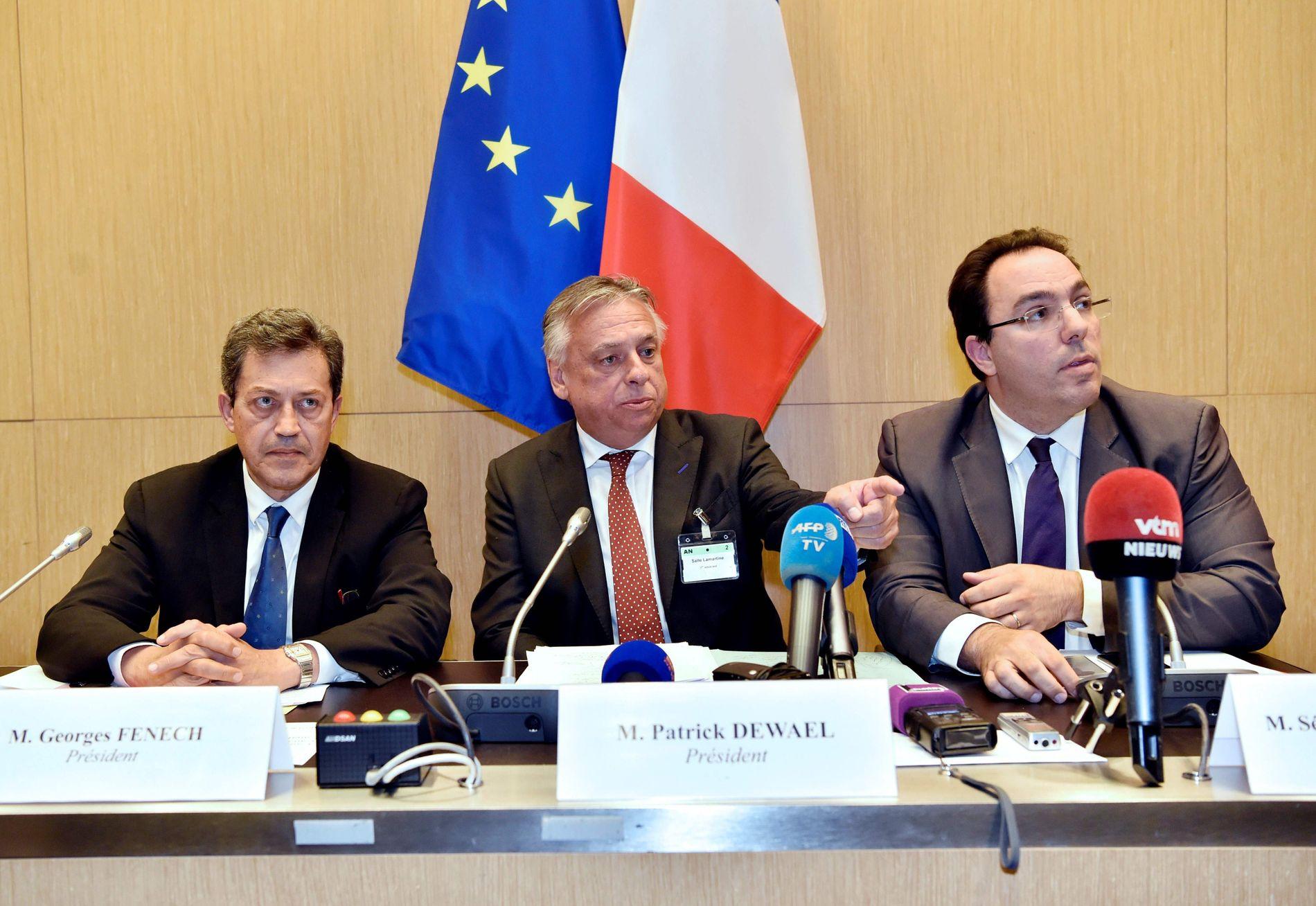 FRYKTER FOR FRANSKE VALGET: Frankrike har ingen ting å stille opp mot i møte med russiske hackere, mener det franske Sosialistpartiets sikkerhetssjef, Sebastien Pietrasanta (t.h). FOTO: AFP