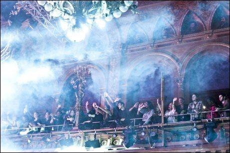 STOCKHOLM: Publikum under konserten i Sveriges hovedtad. Foto: Amund Bakke Foss