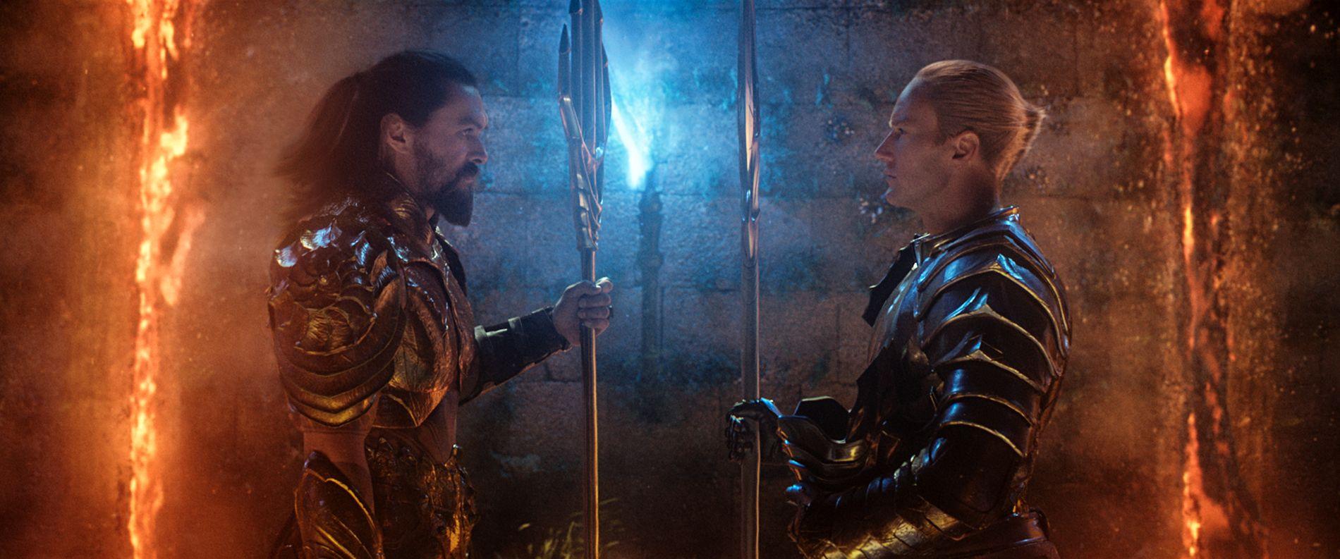 BITTERT FORHOLD: Arthur «Aquaman» stilles til veggs av sin halvbror «Orm», som sliter med å akseptere broren som en ekte havmann.