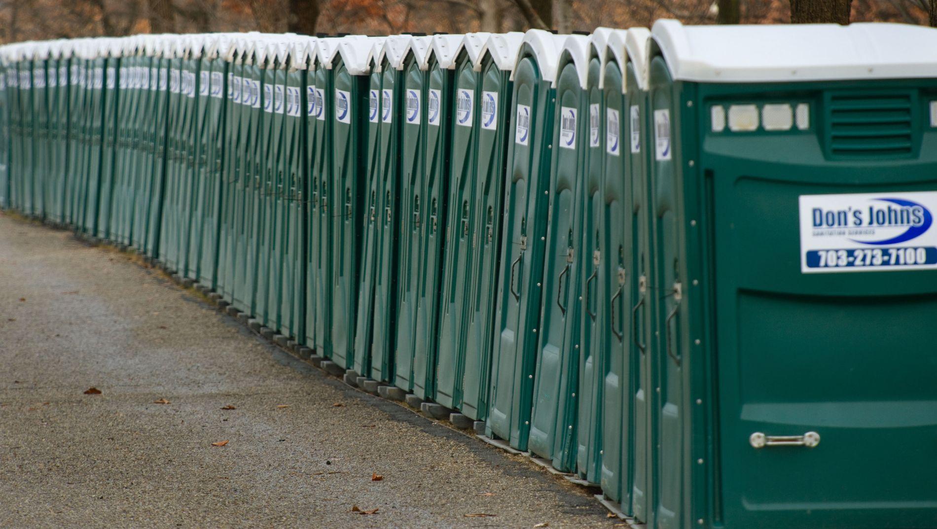 SOLGTE 106 STJÅLNE TOALETTER: To menn sto bak det tyske «toalett-kuppet» hvor de solgte bærbare toaletter til Nederland.