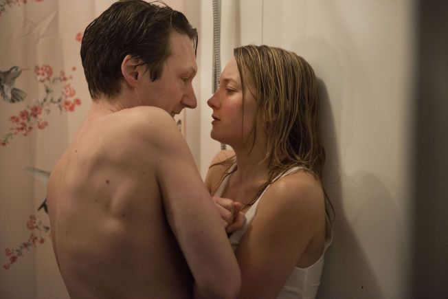 KONTROVERSIELL FILM: «De nærmeste» handler om halvsøskenparet Henrik (Simon J. Berger) og Charlotte (Ine Wilmann) som innleder et seksuelt forhold. Filmens underliggende tema er likevel noe de fleste kan relatere til, mener regissør Anne Sewitsky.