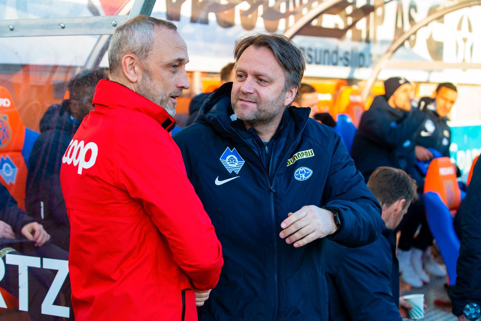 TRENERE: Erling Moe, med Aalesunds Lars Bohinen etter treningskampen i Ålesund nylig.