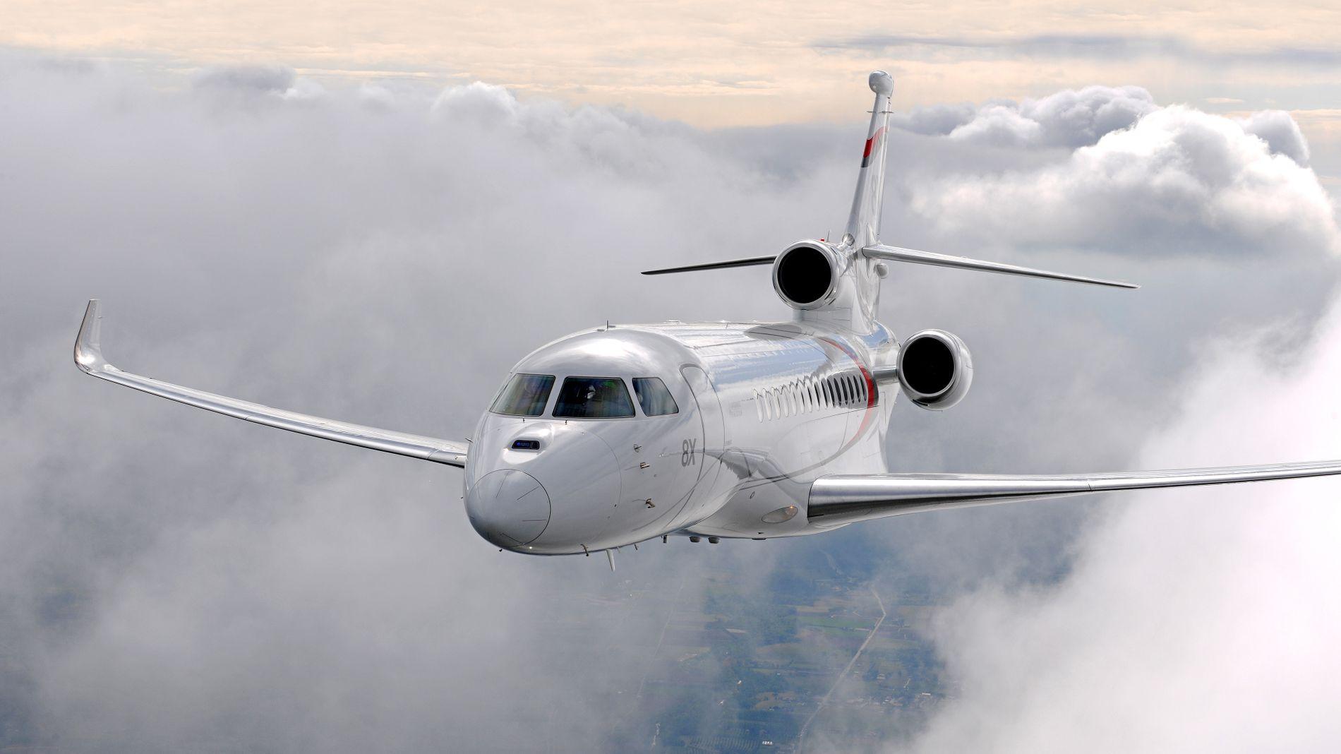 NYTT PRIVATFLY: Kjell Inge Røkkes Aker har gjort en delbetaling på et nytt privatfly til rundt en halv milliard kroner, en Falcon 8x fra Dassault. Med det programmet ledelsen i Aker har, er det ifølge selskapet nødvendig med privatfly.