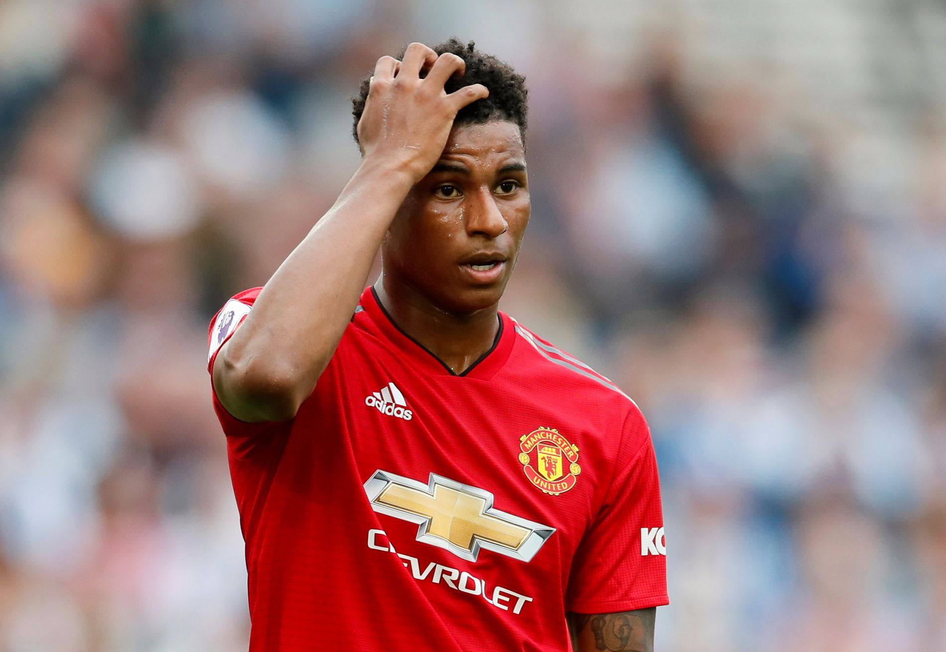 KLØR SEG I HODET? Kanskje er det The Clash-sangen «Should I stay or should I go» Marcus Rashford nynner på for tiden.