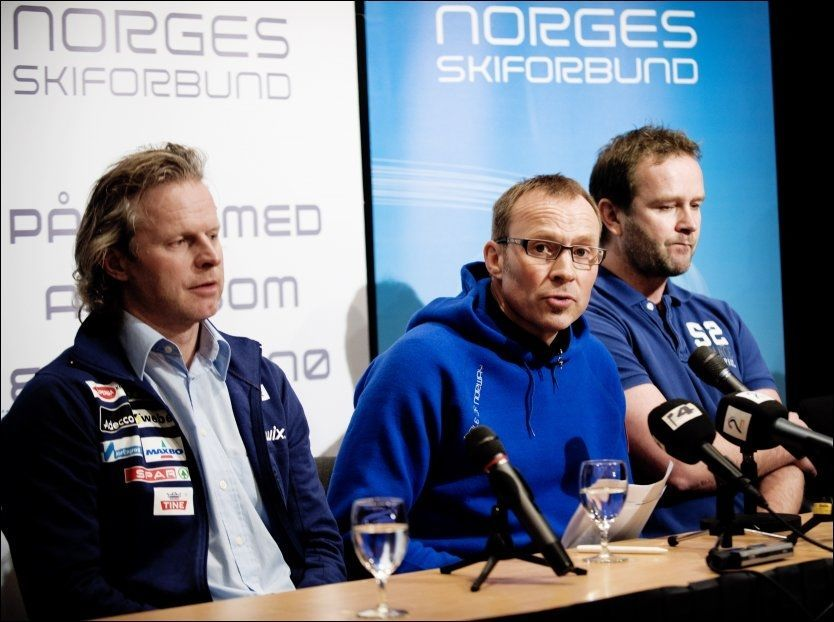 FERDIG I NSF: Generalsekretær Bård A. Amundsen (i midten), her sammen med landslagssjef i langrenn, Åge Skinstad (til venstre) og Team Northugs sponsorsjef, Terje Hutulsmoen. Foto: Line Møller