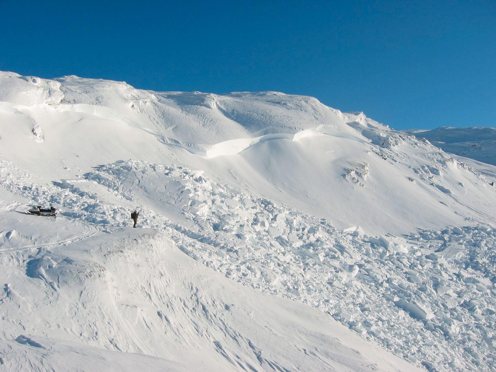 SNØSKRED: Under en NATO-øvelse i Nord-Norge i mars 2008 gikk det et snøskred hvor bruddkanten var tre meter på det høyeste.