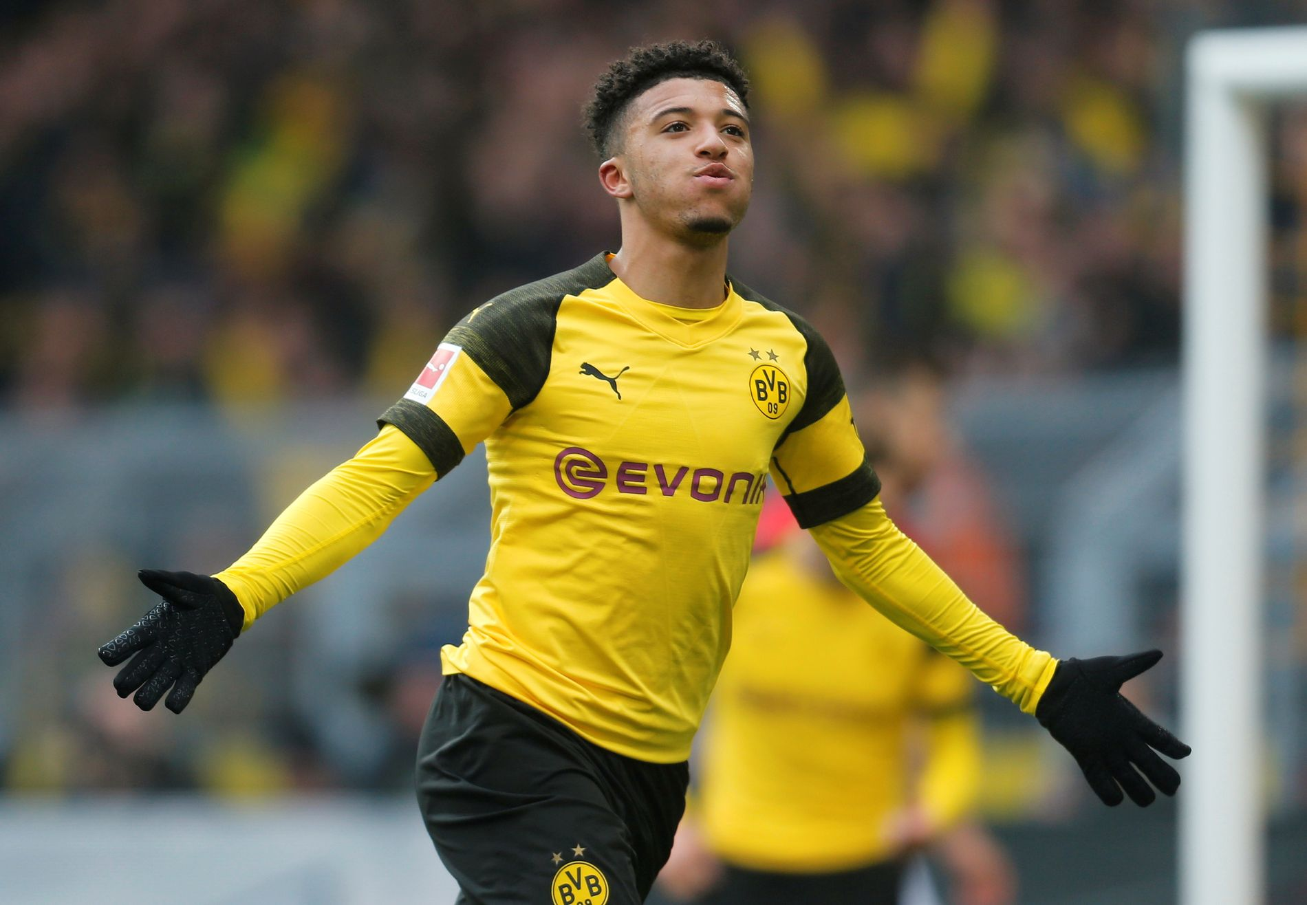 VERDIFULL: Borrusia Dortmunds Jadon Sancho skal stå på ønskelisten til flere storklubber. Han scoret to, da de vant 2–1, mot Mainz 13. april.