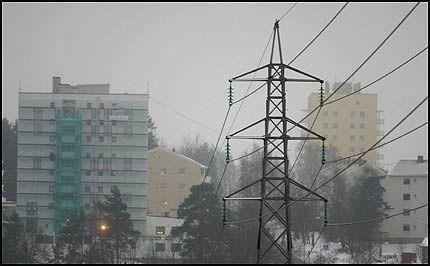 PRISKRANGEL: NRK Brennpunkt og NVE er uenige om hvor mye nettleien egentlig har steget siden begynnelsen av 90-tallet. Foto: SCANPIX