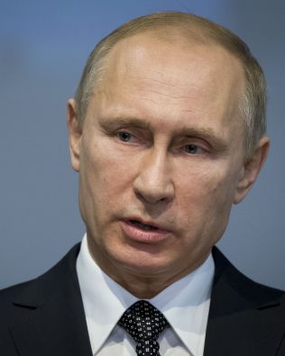 FORDØMMER DRAPET: Russlands president Vladimir Putin vil ifølge AP personlig overvåke etterforskningen etter at en kjent opposisjonspolitiker ble drept.