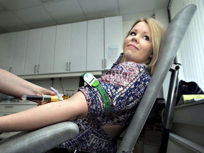 KAN BLODET GI SVARET? VGs journalist Marie Moen Kingsrød (21) har blitt erklært frisk av flere leger. Men private klinikker på Østlandet konkluderer helt annerledes .