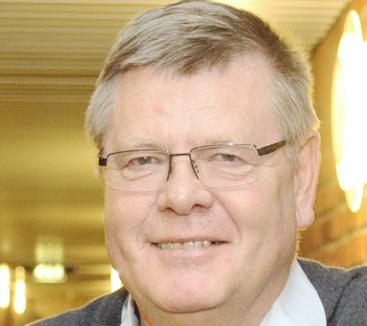 EKSPERT: Ørjan Olsvik er professor i medisinsk mikrobiologi ved UiT og har også bakgrunn fra Centers for Diseases Control and Prevention (CDC) i USA.