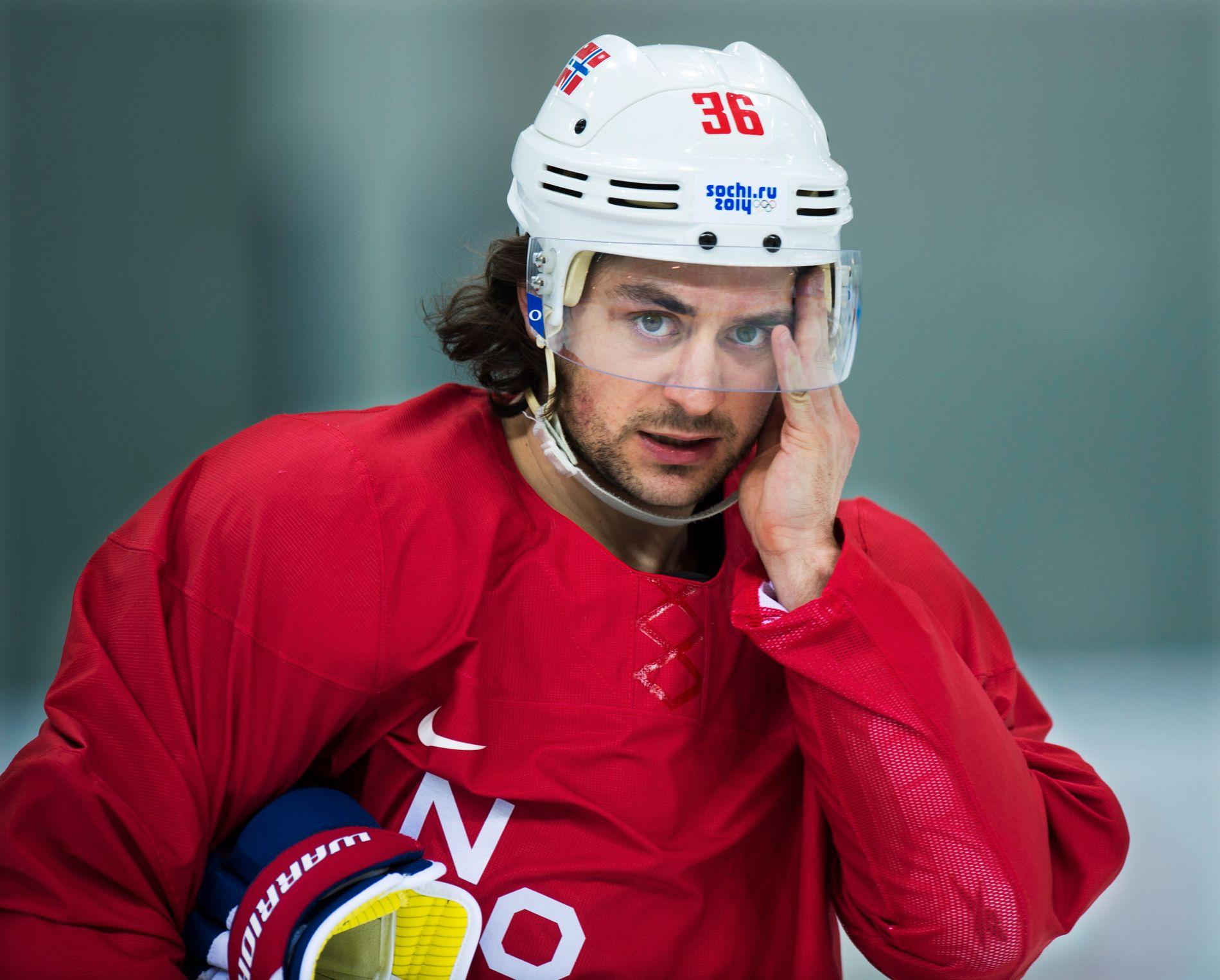 HODEBRY: Mats Zuccarello blir ikke å se på dansk is under VM. Her fra en Norge-trening under Sotsji-OL i 2014.