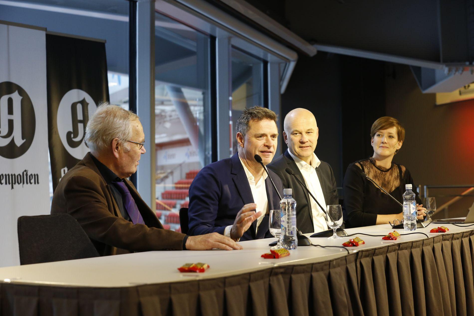 OMSTRIDT: Aftenpostens sjefredaktør Espen Egil Hansen (nr. to fra venstre) under pressekonferansen i fjor høst. Ellers f.v.: Arne Scheie, NRK-sjef Thor Gjermund Eriksen og eventansvarlig i Aftenposten, Veslemøy Østrem.