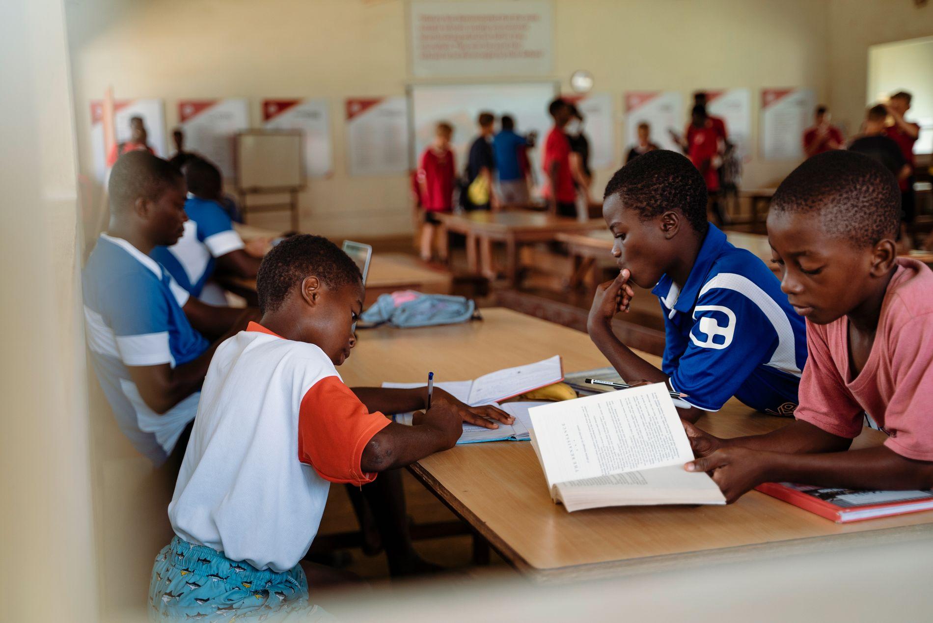 Right to Dream-akademiet kombinerer skolegang med talentutvikling for barn og unge som har vokst opp i fattigdom-