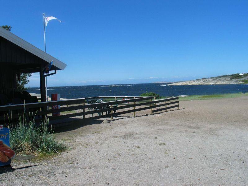 STORESAND: Hvalers største og mest populære badested.