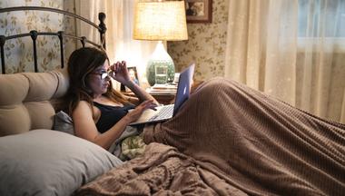 26 serier du kan binge i hjemmekarantene