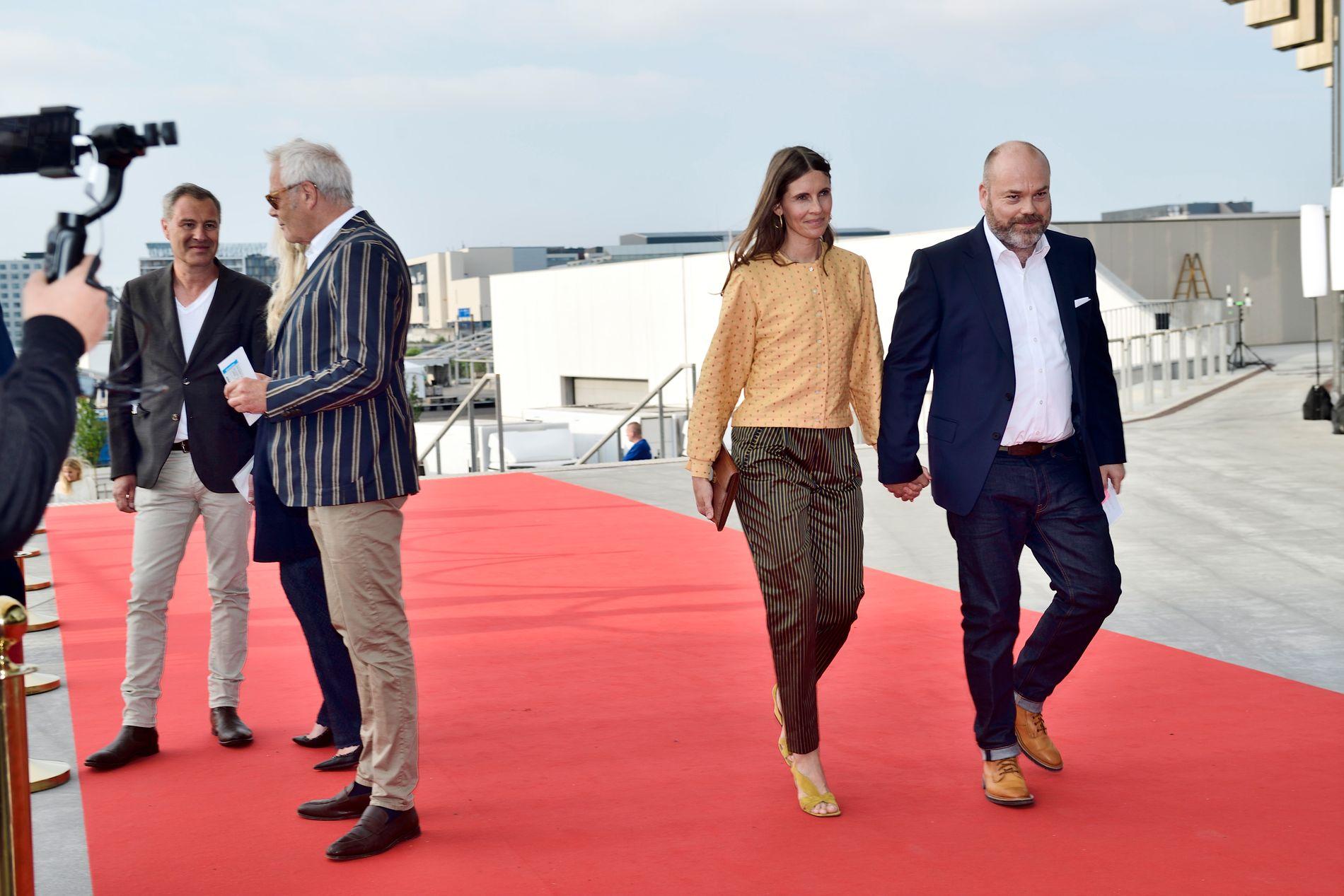eb53e58b MISTET TRE BARN: Her er Anders Holch Povlsen og kona Anne Holch Povlsen på  rød løper i forbindelse med feiringen av kronprins Frederiks bursdag i  København ...