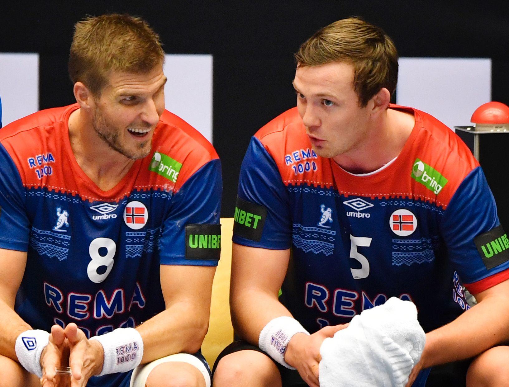 NØKKELDUO: Bjarte Myrhol og Sander Sagosen og resten av håndballgutta ordnet opp med Østerrike. Torsdag venter Danmark i Herning.