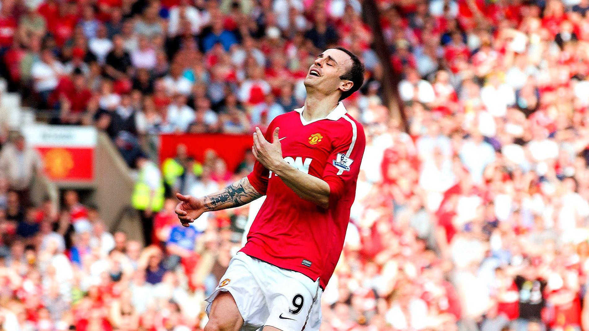 PÅ VEI HJEM: Eks-United-spiss, Dimitar Berbatov er på vei tilbake til bulgarsk fotball. Her er han i United-trøye i en kamp mot Fulham i 2011.