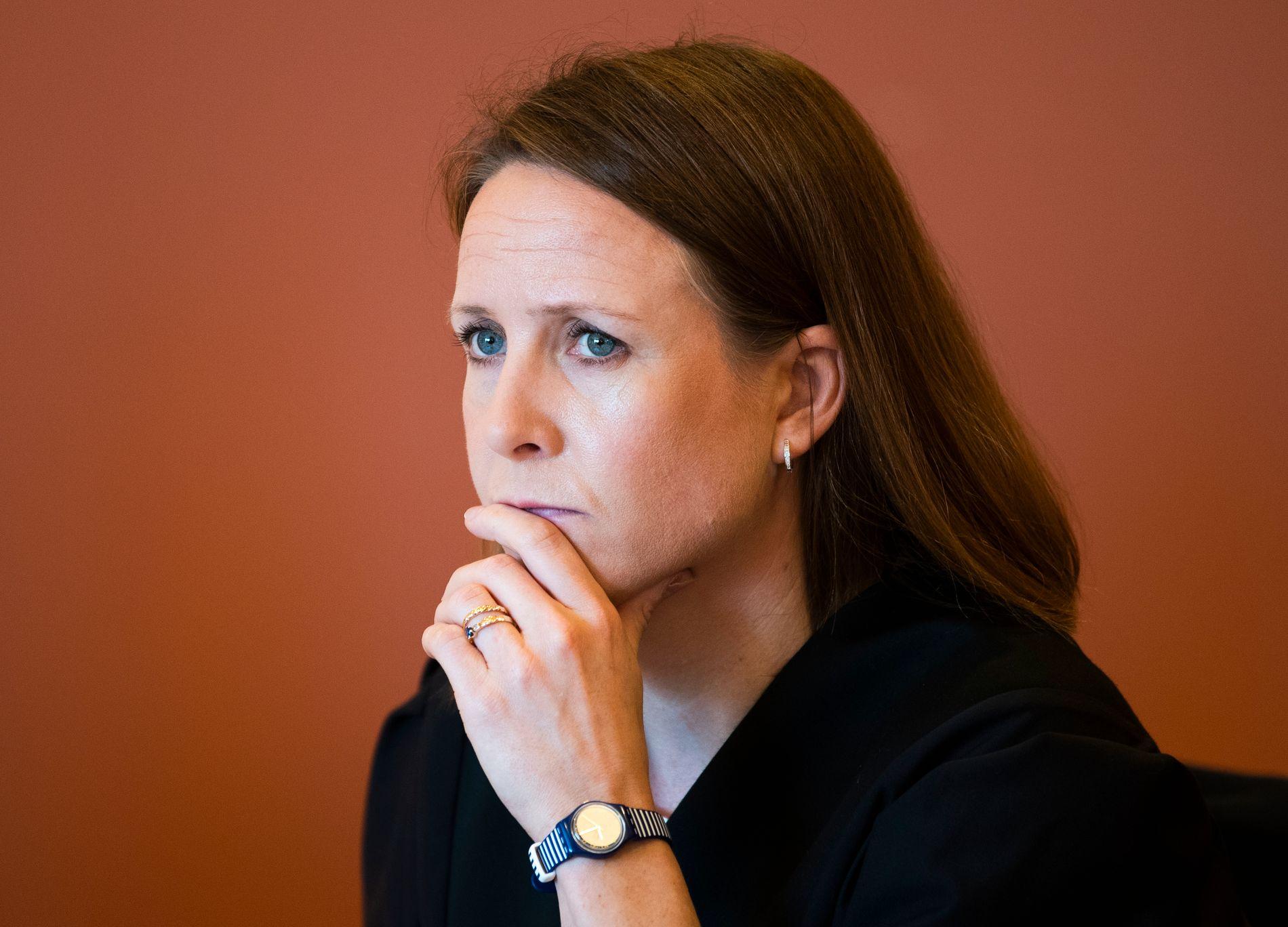 FORSVARER: Nora Hallén forsvarer den tiltalte 17-åringen.