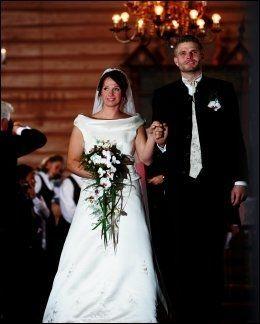 GIFTEMÅL: Wenche Søndrol og Thor Furuvann giftet seg etter at de fant kjærligheten i «Jakten på kjærligheten». Paret har to barn Foto: Lars Erik Skrefsrud