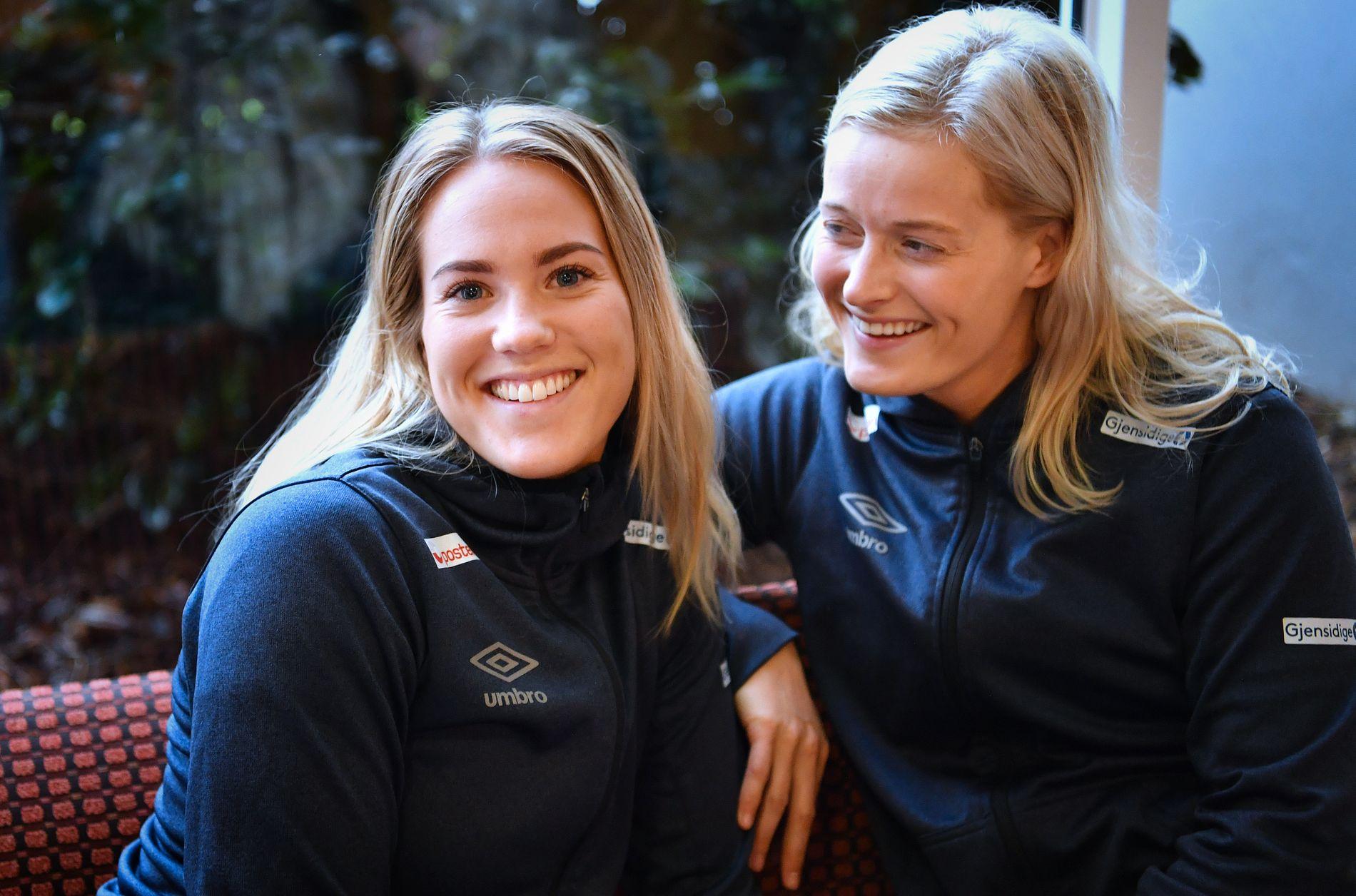 STJERNETREFF: Malin Aune (til venstre) fikk gjennombruddet med siden seks mål mot Tsjekkia. For kantkollega Marit Røsberg Jacobsen har EM til nå vært tyngre.