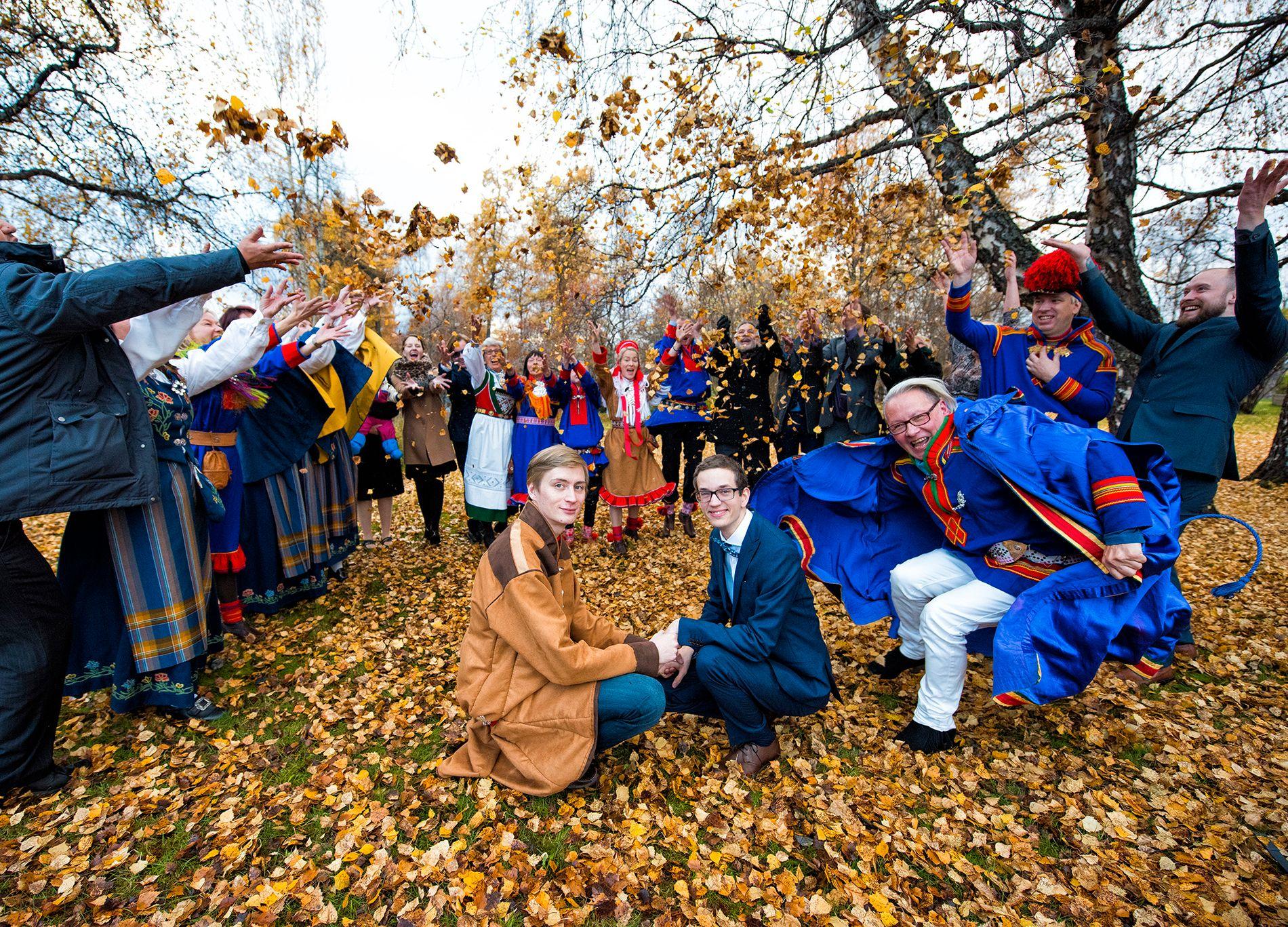ENDELIG: Lemet Ànde Stueng og Jørgen Starbo Henriksen feiret kjærligheten og giftemålet sammen med familie og venner i Narvik.
