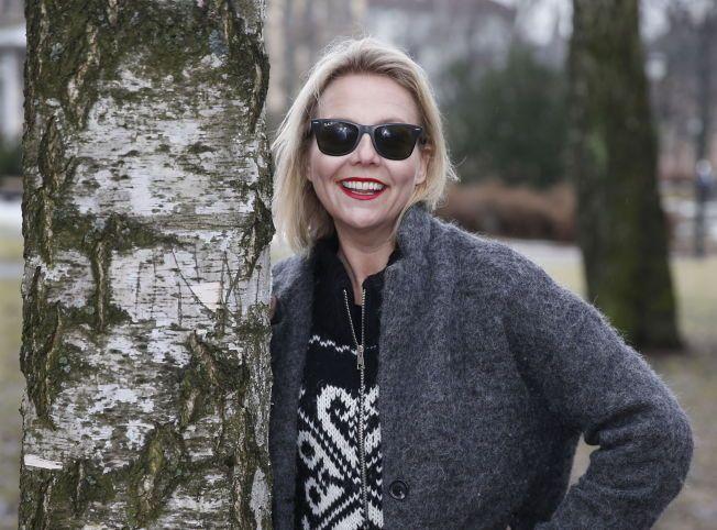 ØYEKATARR: Linn Skåber (44) møter VG med mørke solbriller på grunn av katarr på begge øyne.