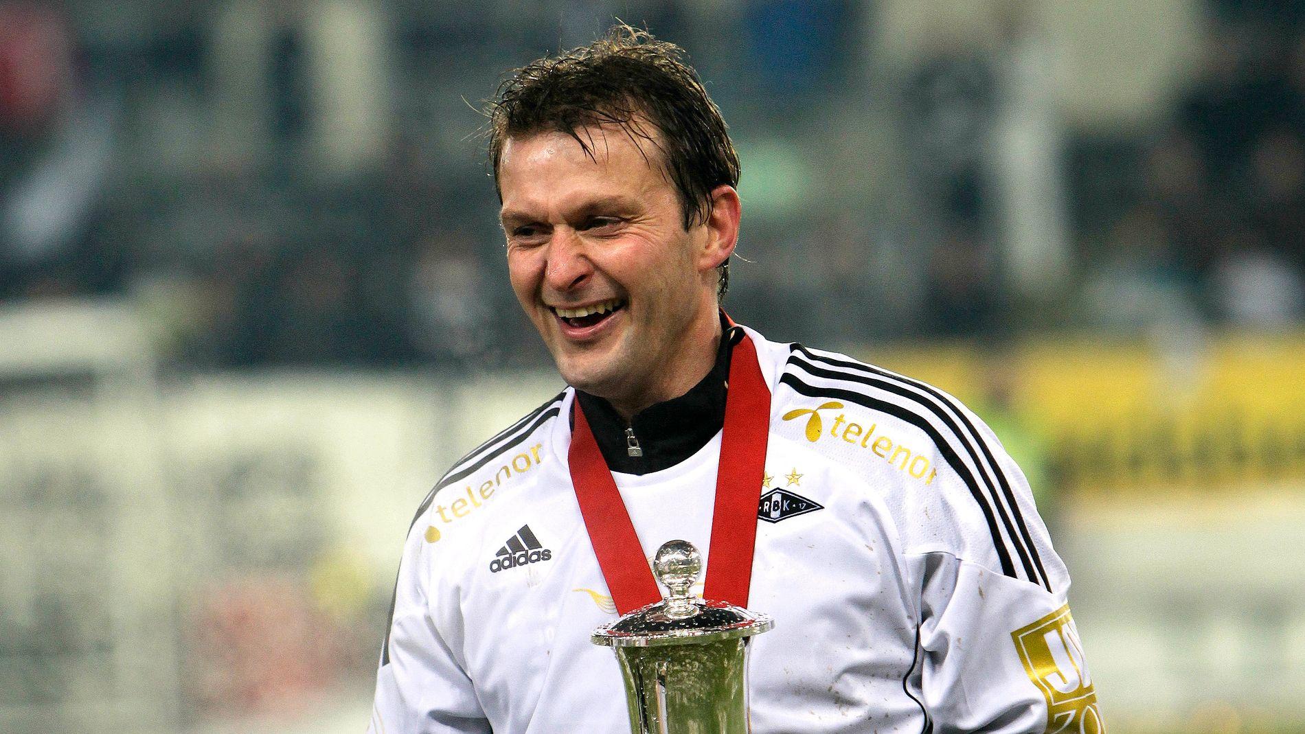 SNART 50: Roar Strand har fortsatt suksess på fotballbanen. Bildet er fra hans siste kamp med Rosenborg i 2010.