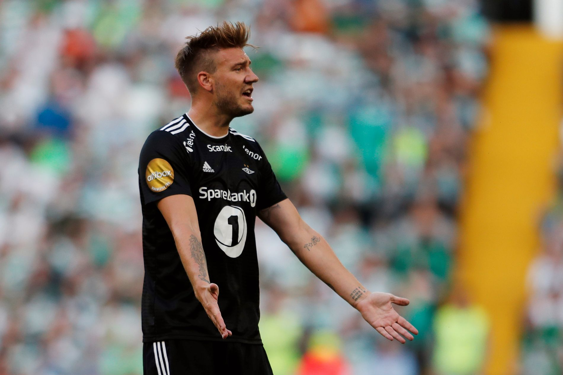 – FORTSATT FAVORITTER: Selv om Nicklas Bendtner har havnet i trøbbel, mener ekspertene VG har snakket med at Rosenborg fortsatt er klare favoritter til å bli seriemester i eliteserien.