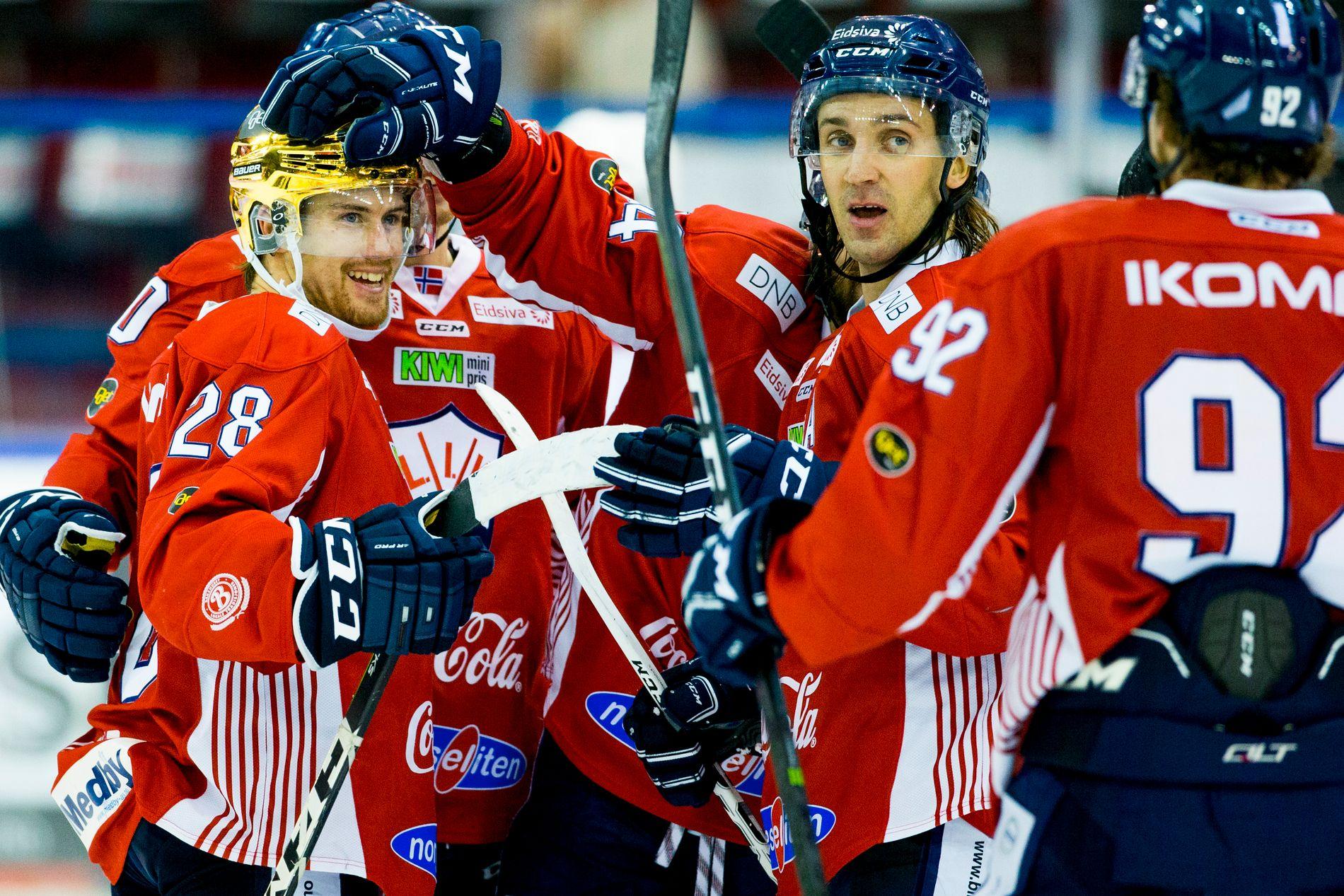 I SLAG: Stephan Vigier har god grunn til å smile av resultatene så langt denne sesongen. Her sammen med Joakim Arnestad-Eidsæther (t.h.) fra oppgjøret mot Vålerenga.
