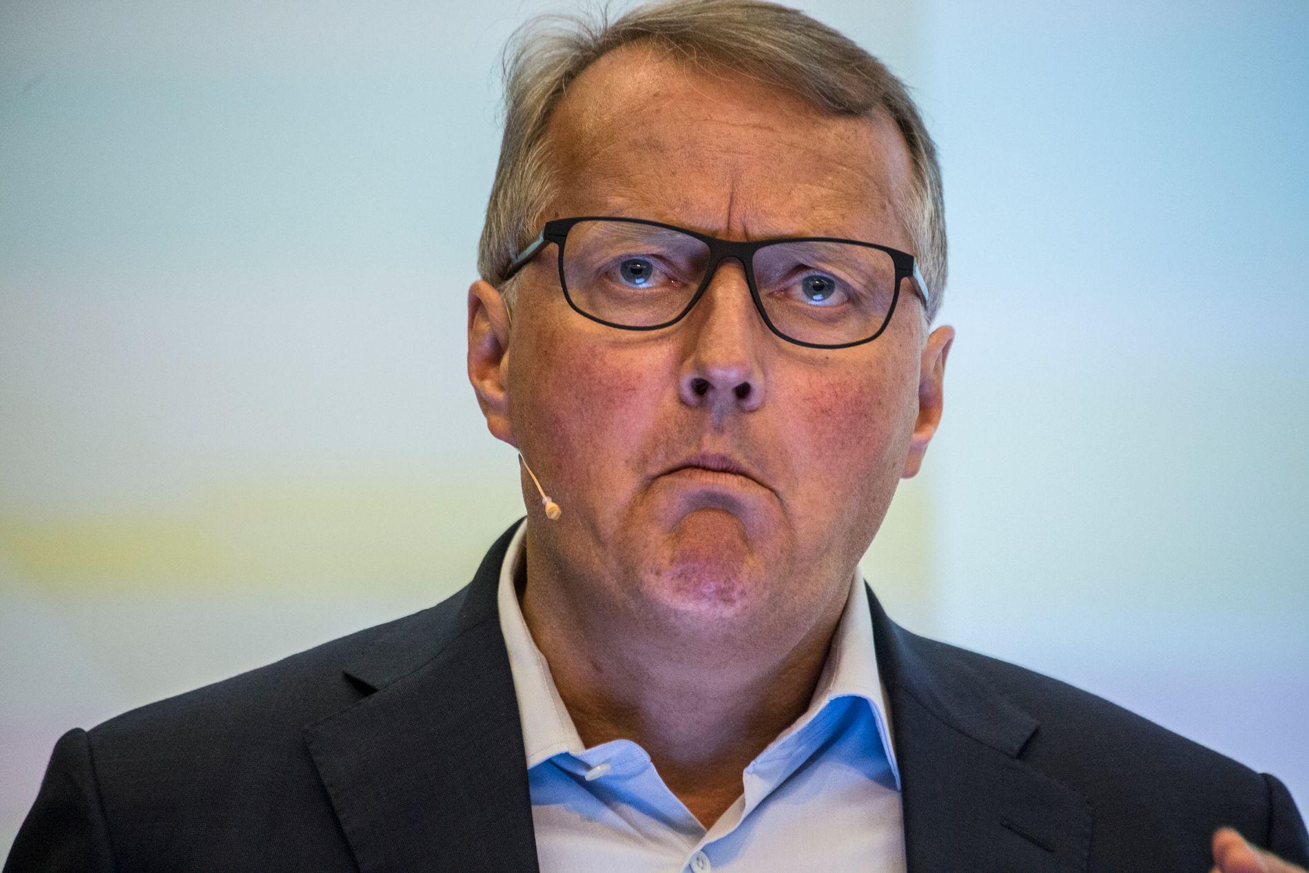 MÅ FORKLARE SEG - IGJEN: Hverken Monica Mæland eller politikerne VG har snakket med er fornøyd med svarene DNB-sjef Rune Bjerke kom med mandag, i forbindelse med redegjørelsen om bankens aktivitet i skatteparadiser.