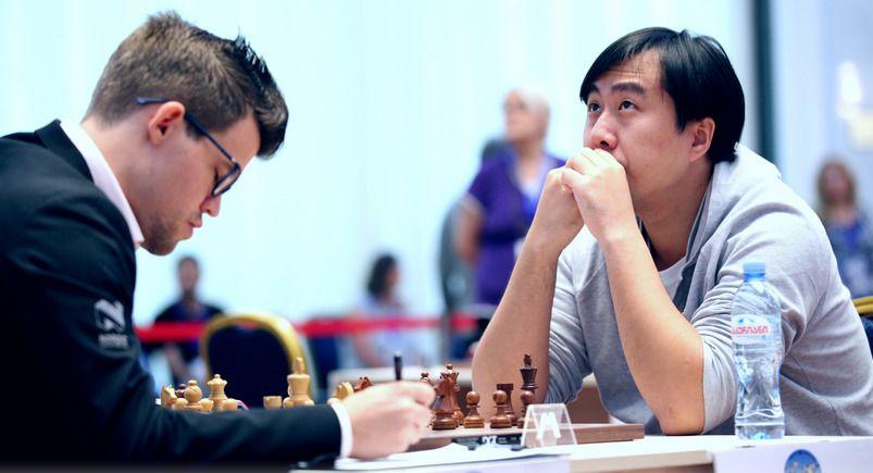 TAPTE: Magnus Carlsen tapte for kineseren Bu (t.h.).