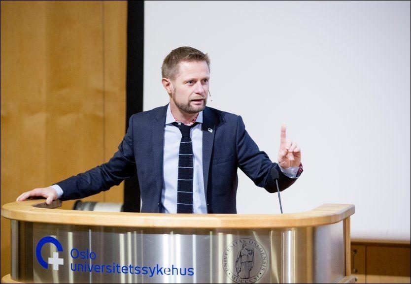 NY STYRING: Tirsdag holdt helseminister Bent Høie (H) sin første sykehustale som statsråd på Rikshospitalet i Oslo. Foto: NTB/SCANPIX