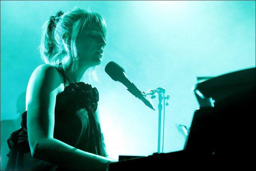 DRITT-LEI: Susanne Sundfør fikk nok av pratesyke tilskuere under helgens konsert på Kongsberg. Her avbildet under by:Larm 2010. Foto: Knut Erik Knudsen