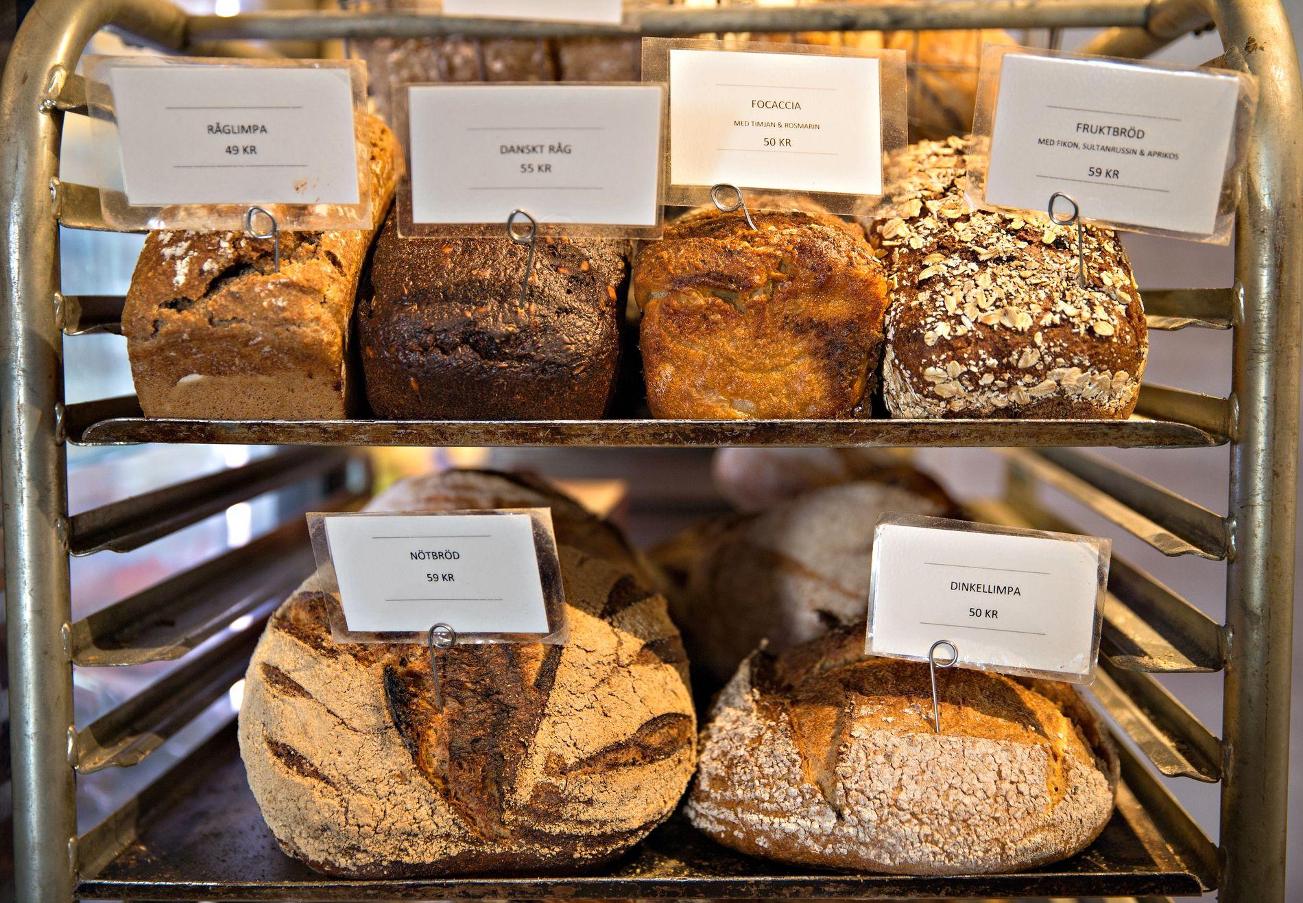 FERSKT: – Få ting får meg til å tenke mer på livets mysterium enn et nystekt brød, skriver vår søndagsspaltist Kim Larsen.