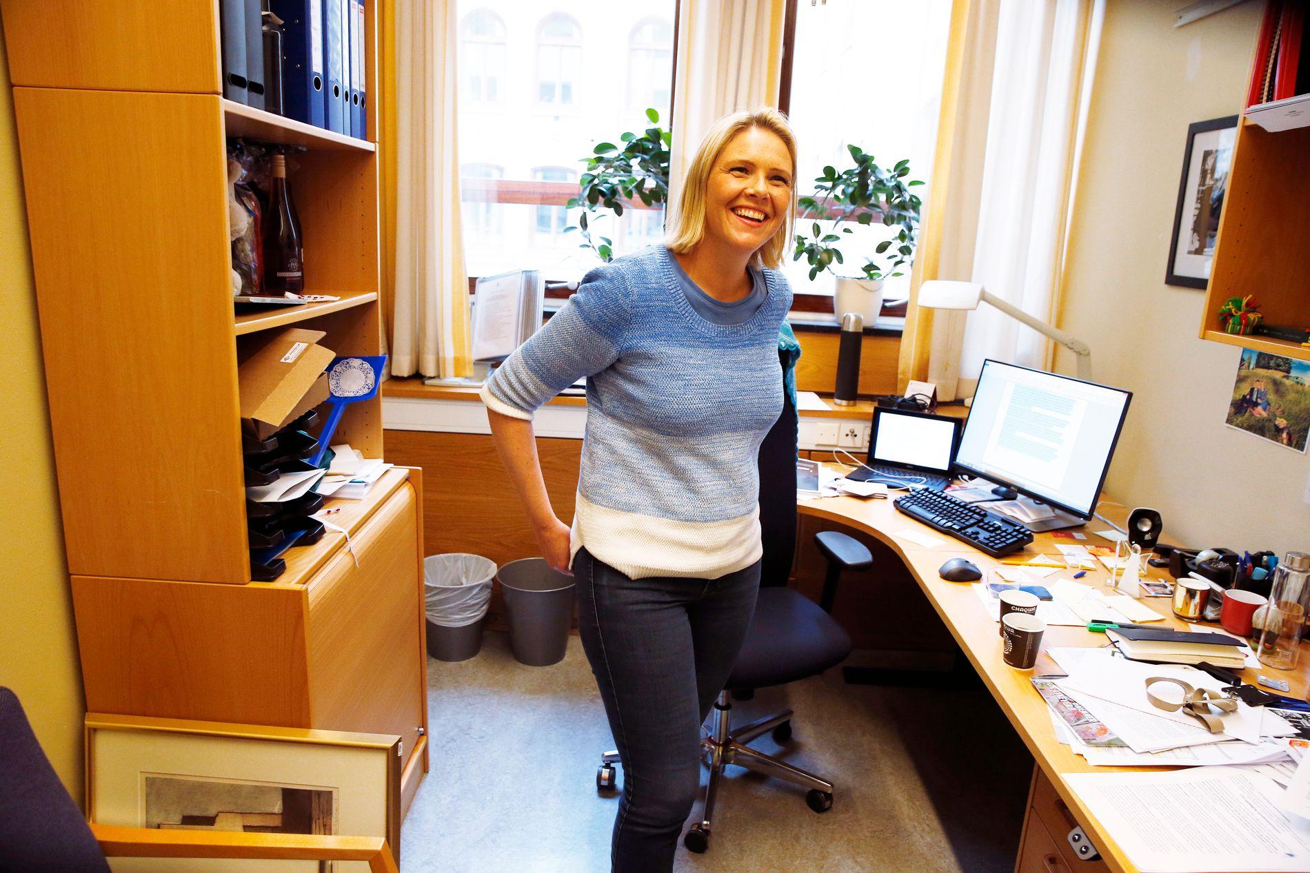 HVEM SKAL SKAMME SEG: VG intervjuet stortingsrepresentant Sylvi Listhaug (Frp) på hennes stortings-kontor mandag ettermiddag.