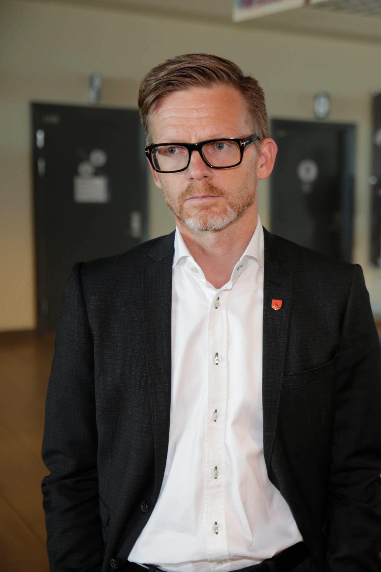 IKKE STATENS OPPGAVE: Tage Pettersen (H) tar kulturministeren i forsvar og sier det ikke er statens oppgave å håndtere økonomien til idrettsarrangementer.